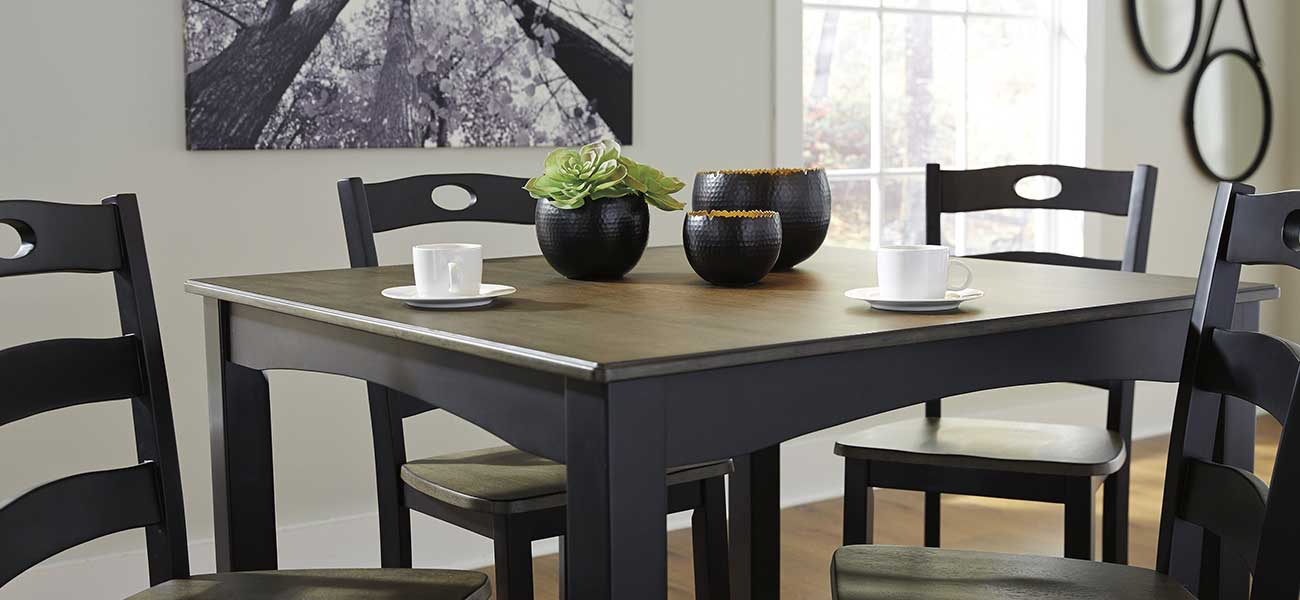 Modern Dining Room Set at Squan Furniture